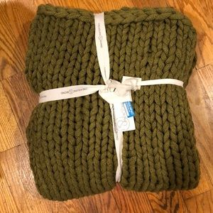 Brand new Treasure & Bond olive throw blanket